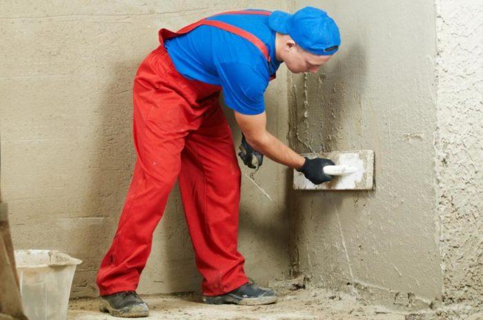Узнайте как штукатурить стены своими руками