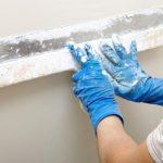 Как оштукатурить стены своими руками?