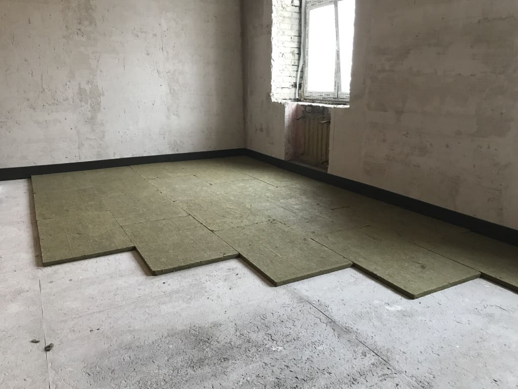 Звукоизоляция пола под стяжку в квартире