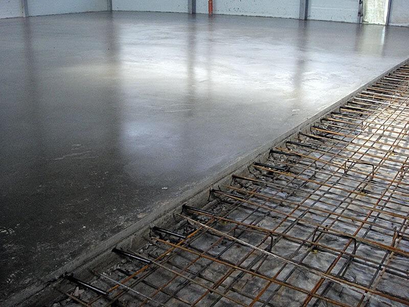 стоимость работ по заливке стяжки пола бетоном