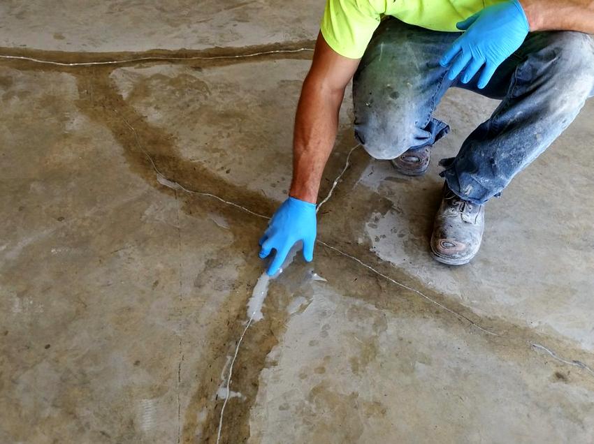 ремонт трещин стяжки пола